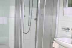 Badezimmer Standard Zimmer mit Balkon